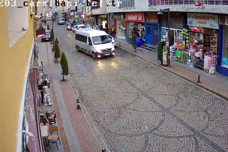 Çarşıbaşı Avni Akkan Caddesi Canlı mobesa izle