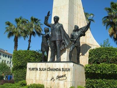 Alanya Mustafa Kemal Atatürk Anıtı Sanal Tur İzle